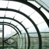 Гнутое стекло для строительства зимнего сада