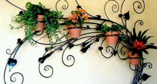 Кованые цветочницы и подставки для цветов